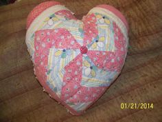 LRG antique vintage SHABBY COTTAGE RED PINK cutter QUILT / CHENILLE HEART PILLOW