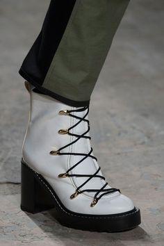 4ca7fe89dc3 43 beste afbeeldingen van Schoenen - Boots, Projects en Shoe