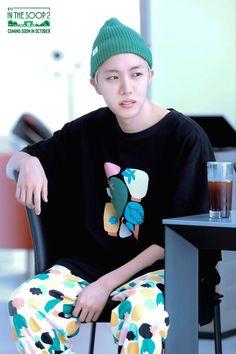 #bts #hoseok Jung Hoseok, Kim Namjoon, Kim Taehyung, Seokjin, Foto Bts, Bts Photo, Gwangju, Mixtape, Jin Kim