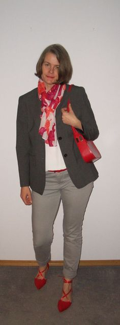 informal blazer styling with lace-ups in gray plus real red.