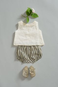 Kids outfit flatlay by caramel baby and child Little Fashion, Baby Girl Fashion, Kids Fashion, Fashion Ideas, Fashion Trends, Trendy Fashion, Fall Fashion, Womens Fashion, Baby Outfits
