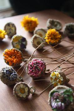 Acorn Necklaces. Great craft idea.