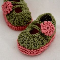 Knitting PATTERN (PDF file) - Daisy BABY Booties (0-6/6-12 months). $3.99, via Etsy.