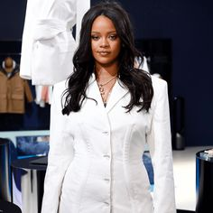 Rihanna Fenty Beauty - Mammypi Source You are in the right place about Celebrity Style bag Here we o Jil Sander, Chloe Sevigny, Leandra Medine, Sharon Tate, Jessica Chastain, Luxury Lifestyle Fashion, Luxury Fashion, Wealthy Lifestyle, Fashion Line
