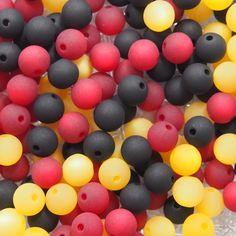 Perlenmix: schwarz-rot-gelb Easter Eggs, Fruit, Ebay, Design, Yellow