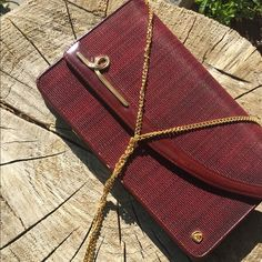 Horse Hair Purse With Gold Link Shoulder Strap Horse Hair Purse With Gold Link Shoulder Strap 38 i inches in length 10.5 inches in widthin excellent condition Bags Clutches & Wristlets