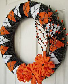 halloween yarn wrapped argyle wreath black gray orange and white with felt flowers. Halloween Yarn, Halloween Signs, Fall Halloween, Wreath Crafts, Diy Wreath, Wreath Ideas, Fall Crafts, Holiday Crafts, Halloween Yard Decorations