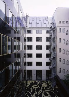 Office and retail building | nps tchoban voss; Photo: © Christian Gahl | Archinect