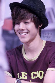 Kim Hyun Joong 김현중 ♡ hat ♡ adorable ♡ Kpop ♡ Kdrama ♡