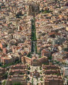 Avinguda Gaudí (Sagrada Familia + Hospital de Sant Pau) - Barcelona, Spain