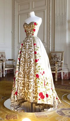 Pierre Balmain gown inspired by 18th century fashion.