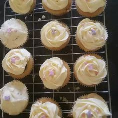 Good morning! Here's a glimpse of what we have been baking. Have a fabulicious week  #yummy #kidsinthekitchen #kidshavingfun #learningalifeskill #bakingmadness #bakingisfun #cakes #biscuits #fabbakingschool #loughton #essex #london