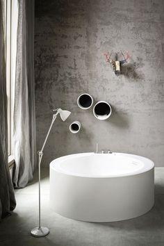 Freestanding round Korakril™ #bathtub HOLE by Rexa Design   #design susanna mandelli #bathroom #minimal