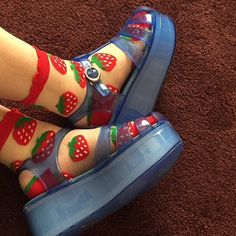 Not keen on the jelly shoes but those socks are adorable! Sock Shoes, Cute Shoes, Me Too Shoes, 90s Shoes, Crazy Shoes, Aesthetic Shoes, Aesthetic Clothes, Bobbies Shoes, Look Fashion