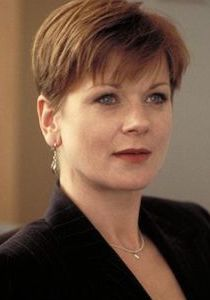 Samantha Bond was born on 27 November She is greatest identified for her position as Miss Moneypenny in 4 James Bond movies throughout the and early Prior to this, she first starred Colin Salmon, Joe Don Baker, Samantha Bond, Celebrity Surgery, Donald Pleasence, John Huston, Judi Dench, James Bond Movies, Pierce Brosnan