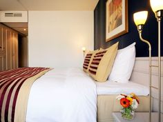 Hotels dagaanbieding max 30 euro per nacht per persoon? Benelux, Duitsland, Frankrijk Travel Ideas, Euro, Hotels, Bed, Furniture, Home Decor, Night, Decoration Home, Stream Bed
