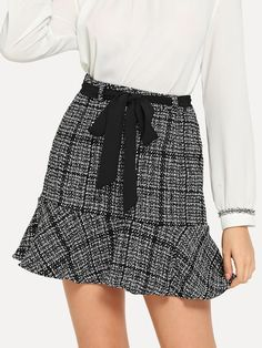 To find out about the Flounce Hem Tweed Skirt at SHEIN, part of our latest Skirts ready to shop online today!Check out this Flounce Hem Tweed Skirt on Shein and explore more to meet your fashion needs! Look Fashion, Fashion News, Fashion Bloggers, Fall Fashion, Fashion Trends, Short Skirts, Mini Skirts, Tweed Skirt, Skirts For Sale