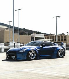 Liberty Walked Nissan GT-R  Z_litwhips