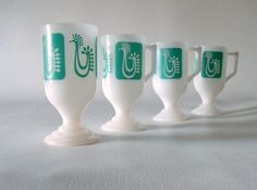 I have one of these vintage turquoise chicken pedestal mugs. Better check the Bay for more!!