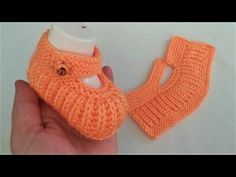 Baby Booties Knitting Pattern, Booties Crochet, Baby Knitting Patterns, Hand Embroidery Videos, Crochet Tablecloth, Knitted Slippers, Knitting For Kids, Crochet Crafts, Crochet Clothes