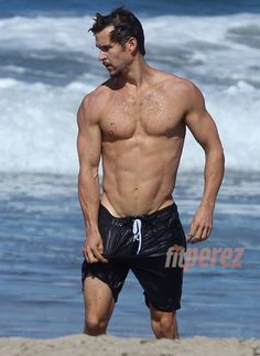 He's Almost Too Hot: Ryan Kwanten Literally Has The Shirtless Ripped Body Of A Greek God!!