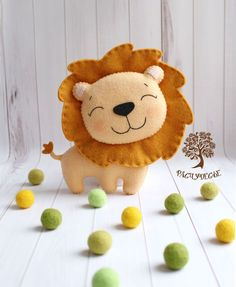 Cute lion #felt #filz #feltanimal #filztier #lion #löwe #cute #feltanimals Peluche Lion, Felt Crafts Patterns, Felt Pillow, Felt Christmas Ornaments, Prim Christmas, Felt Baby, Fabric Toys, Felt Decorations, Handmade Toys