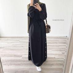 Hijab Chic, Casual Hijab Outfit, Casual Dresses, Abaya Style, Hijab Style, Eid Outfits, Modest Outfits, Stylish Outfits, Abaya Fashion