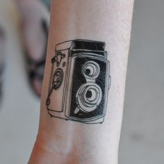 Love these beautiful temporary tattoos by Tattly
