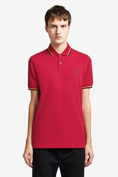 The twin tipped shirt was the first piece to carry our legendary tipping, and it remains at the core of everything we do. Celebrity Closets, Celebrity Style, Clothes For Sale, Nike Clothes, Punk Shop, Fred Perry Polo Shirts, Twin Tips, Tennis Fashion, Nike Outfits