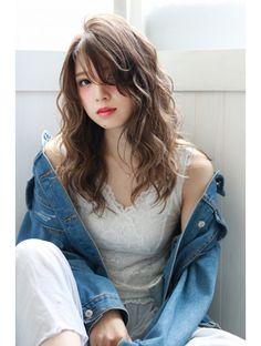 ヒップスデコ(Hip& deco) 外国人風☆無造作ウェーブ in 2020 Curly Asian Hair, Korean Wavy Hair, Korean Perm, Kawaii Hairstyles, Permed Hairstyles, Medium Hair Styles, Curly Hair Styles, Natural Hair Styles, Korean Hairstyles Women