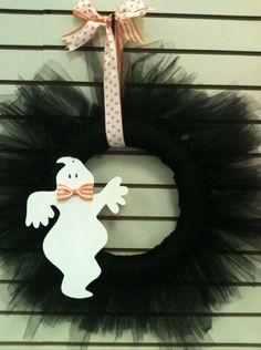 Halloween Wreath made with black tulle.