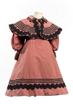 Child's ribbed silk coat, c. Charleston Museum Child's ribbed silk coat, c. Victorian Children's Clothing, 1800s Clothing, Antique Clothing, Historical Clothing, Victorian Fashion, Vintage Fashion, Vintage Dresses, Vintage Outfits, 1890s Fashion
