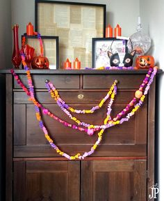 These DIY garlands are super easy, affordable, and can be made with the kids. You can really make them for any holiday, not just Halloween, just by changing the…