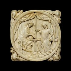 Mirror case with a Knight and a Lady playing chess, made in France, c.1300-25 (source).
