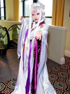 77 pics of cosplay sensation Yaya Han as Catwoman, Jessica Rabbit & more   Blastr