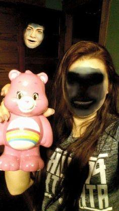 Como cuando quieres cambiar de cara con un osito cariñosito, pero descubres que vives con un espectro maligno. | 18 Faceswaps de Snapchat que te harán gritar y luego llorar de risa