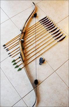 Samick Sage T/D Recurve Bow ~ Love it! Right hand standard size heavy draw Best Recurve Bow, Takedown Recurve Bow, Recurve Bows, Archery Gear, Archery Bows, Archery Equipment, Hunting Gear, Bow Hunting, Armas Ninja