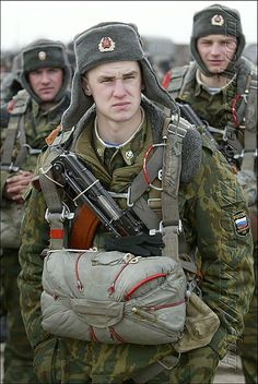 soviet airborne forces | 90s Russian elected Paratroopers