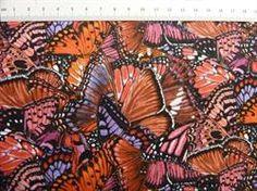 T�tte sommerfugle patchworkstof - r�de, flot patchworkstof med sommerfugle i mange r�dlige farver.