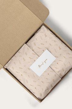 Craft Packaging, Paper Packaging, Custom Packaging, Packaging Ideas, Clothing Packaging, Jewelry Packaging, Packaging Design Inspiration, Paper Design, Planners