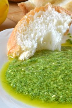 SUPER SIMPLE APPETIZER: Arugula Pesto dipping sauce and fresh bread