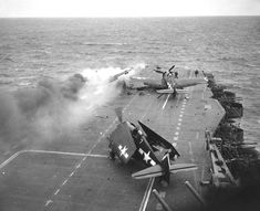 A Japanese kamikaze aircraft has just struck the deck of the US aircraft-carrier 'Saratoga' flying to Iwo Jima, and has caused a fire. Ww2 Aircraft, Aircraft Carrier, Military Aircraft, Grumman F6f Hellcat, Aviation Accidents, Iwo Jima, Ww2 Planes, War Photography, Flight Deck
