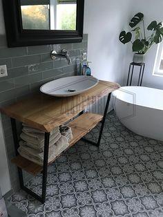 Small Bathroom Furniture, Wood Bathroom, Bathroom Design Small, Bathroom Interior Design, Bathroom Design Inspiration, Bad Inspiration, Family Bathroom, Vanity, Closet