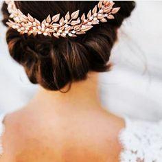 Grow your wedding business with us. - Join us today www. Sri Lankan Girls, Sri Lanka Photography, Srilankan Wedding, Kandi, Wedding Styles, Wedding Planner, Join, Wedding Photography, Business
