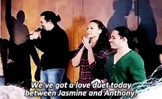 Don't know what I'm focusing on: Anthony and Jasmine being ADORABLE or Lin hardcore shipping. (Gif)