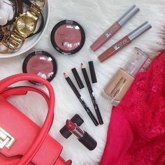itStyle, des soldes sur mesure à partir de 2,50 €......  #itstylegirls #itstylemakeup #itstyle #italianstyle #makeupaddict #eyeshadows #fashion #lipstick #gloss #cosmetics #eyeliner #lashes #mascara #dresscode #luxury #dressclothing #newbrand #createur #class #élégance #mode #styliste #womanstyle
