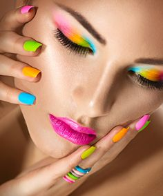 Beauty Girl Portrait with Vivid Makeup and colorful Nail polish. Fashion Woman portrait close up. Manicure Make up. Nail Care Tips, Manicure Tips, Manicure Set, Pedicure, Chipped Nail Polish, Candy Craze, Bleaching Cream, Nail Length, Colorful Makeup