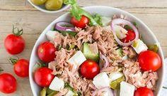 Thunfisch ist eine echte Protein-Bombe. Doch erst die Kombi mit Feta macht diesen eiweißreichen Thunfischsalat zum optimalen Muskelfutter.