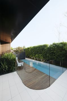 Of these enhancements, pool fence are a good artifice to not single-handedly deposit the pull of your pool area, but bordering growth safety in imitation of suggestion to the water. Glass Pool Fencing, Glass Fence, Pool Fence, Concrete Fence, Luxury Swimming Pools, Luxury Pools, Swimming Pool Designs, Backyard Pool Landscaping, Backyard Fences
