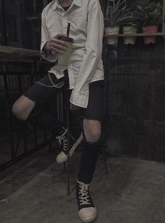 Dieta de 17 Dias Com Grupo Vip - Jonatan Garcia Souza - learn a new skill - eBooks or Documents Korean Fashion Men, Korean Street Fashion, Boy Fashion, Fashion Outfits, Grunge Outfits, Edgy Outfits, Grunge Clothes, Style Indie, Style Grunge